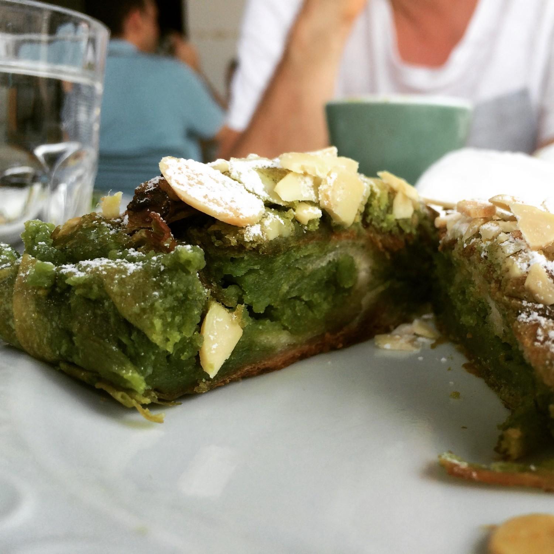 Grüner Tee Mandel Croissant